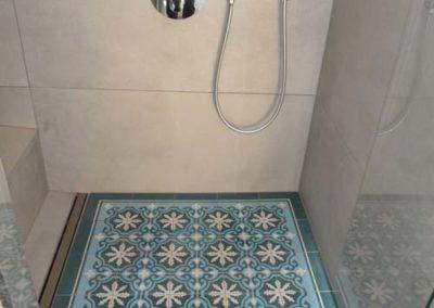Bad mit frei stehender Badewanne